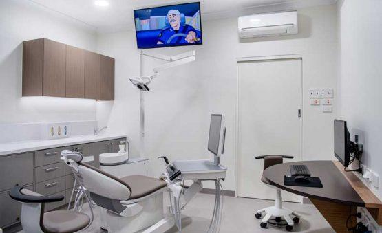 دندانپزشکی شبانه روزی در کرج